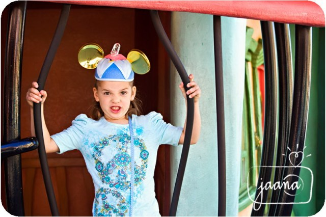 disneyland-family-vacation-photographer-37