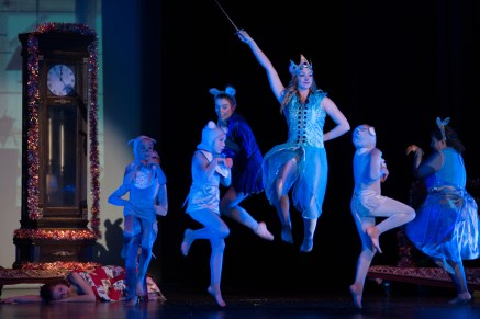 12.10.15 Nutcracker Suite in Modern Bare Feet Terri Attridge-4793