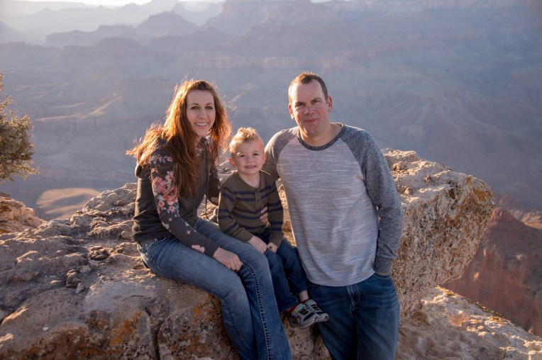 East Rim of Grand Canyon - Family photo below the rim