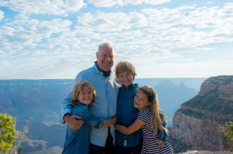 Grandpa and grandchildren family photo at Grand Canyon