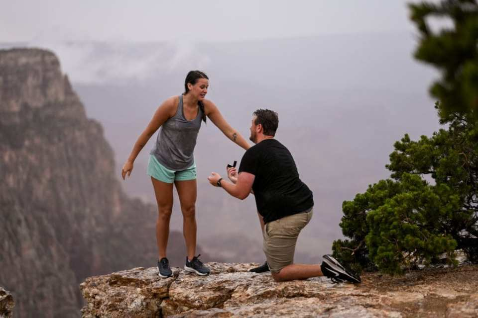 engagement proposal in action at grand canyon