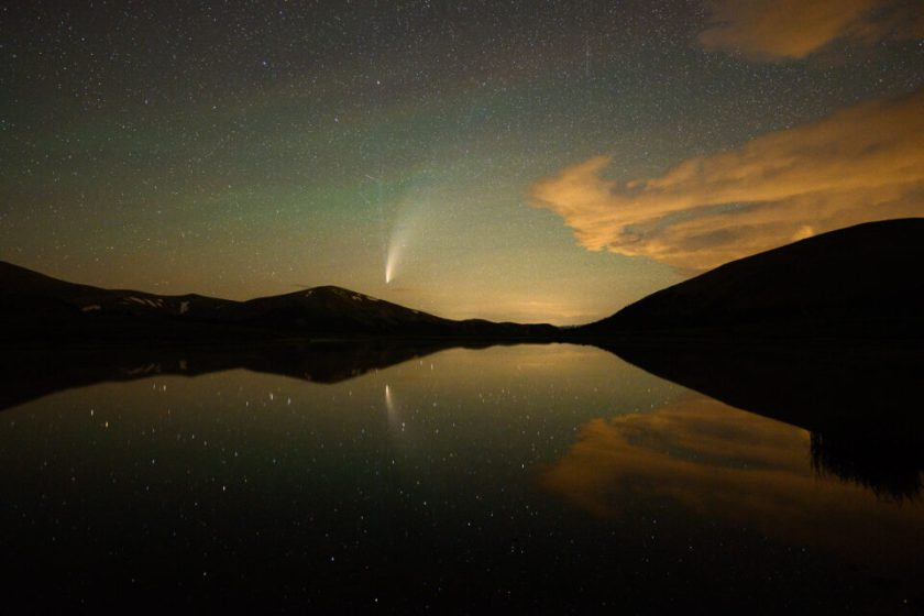 Comet Neowise above a Lake