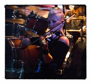 Ирина Сорокина, трепетная скрипка панк-группы КняZz