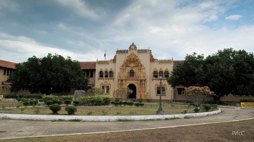 Typical architectural style (college in Santiago, Veraguas, Panama)