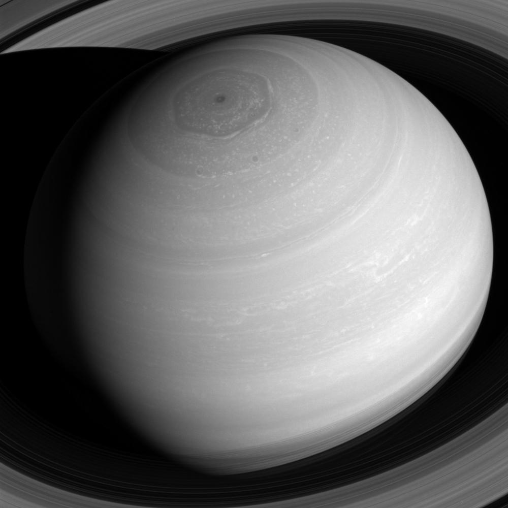 new image of saturn