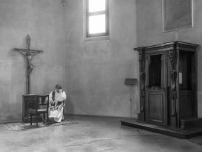 Alberto Scibona 001, La crisi non fa sconti a nessuno, Chiesa dell'incoronata, Milano 2017