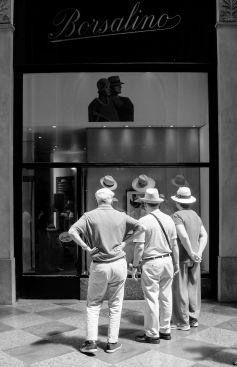 Giancarla Pancera 003, Tre uomini e un cappello
