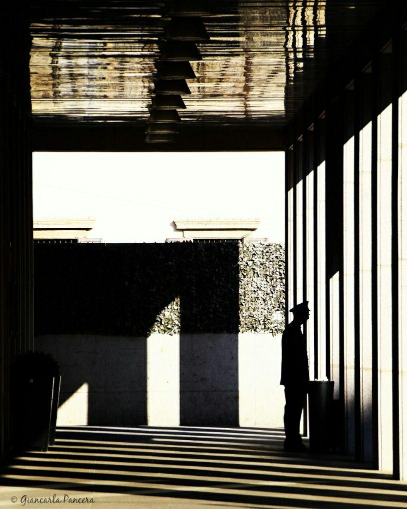 Giancarla Pancera 007, Milano Piazza Fontana, Tra le righe