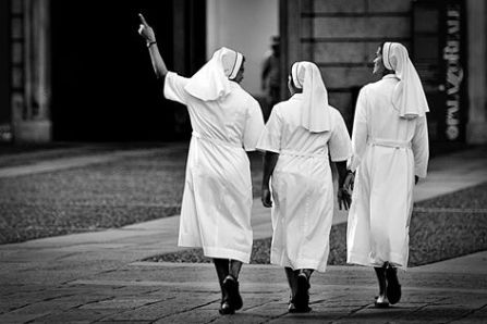Marco Parenti 002, Sister act