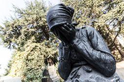 desperate 7 series statues