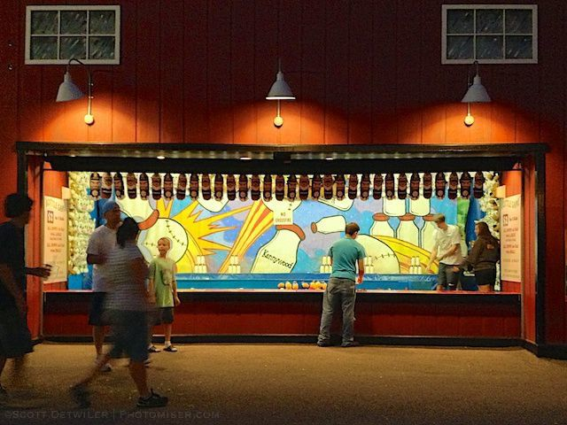 Kennywood arcade at night