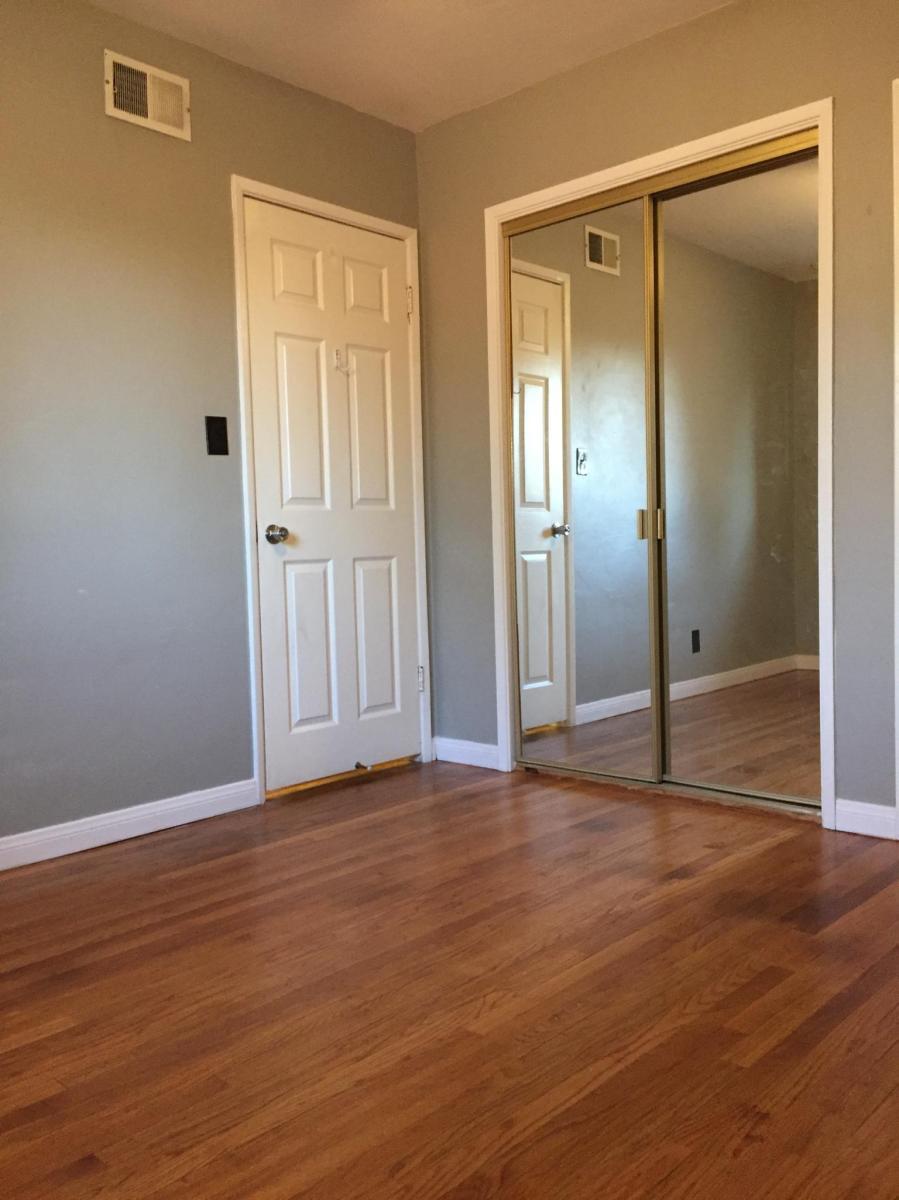 10x11 Bedroom : 10x11, bedroom, Burnside, Riverside,, 92504, HotPads