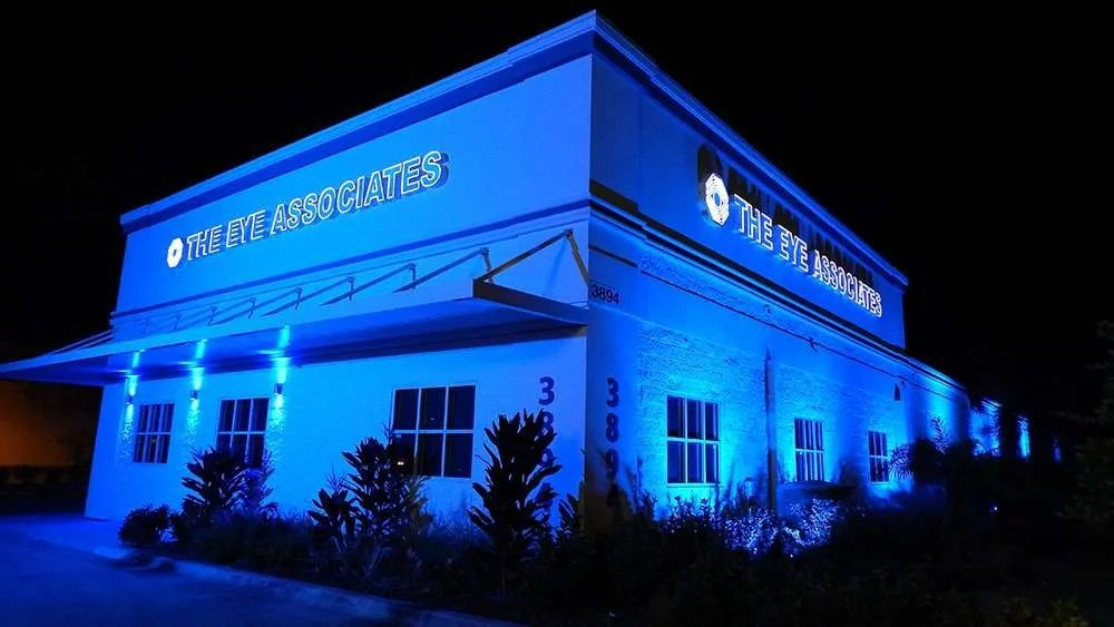 Aurora Lighting effects on Southshore Florida building