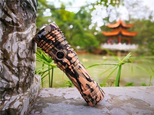 Wuben new camo T70 flashlight
