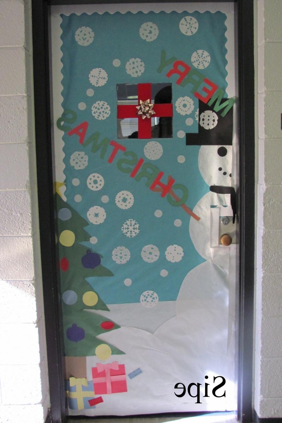 Christmas Door Decorating Contest Ideas Photos