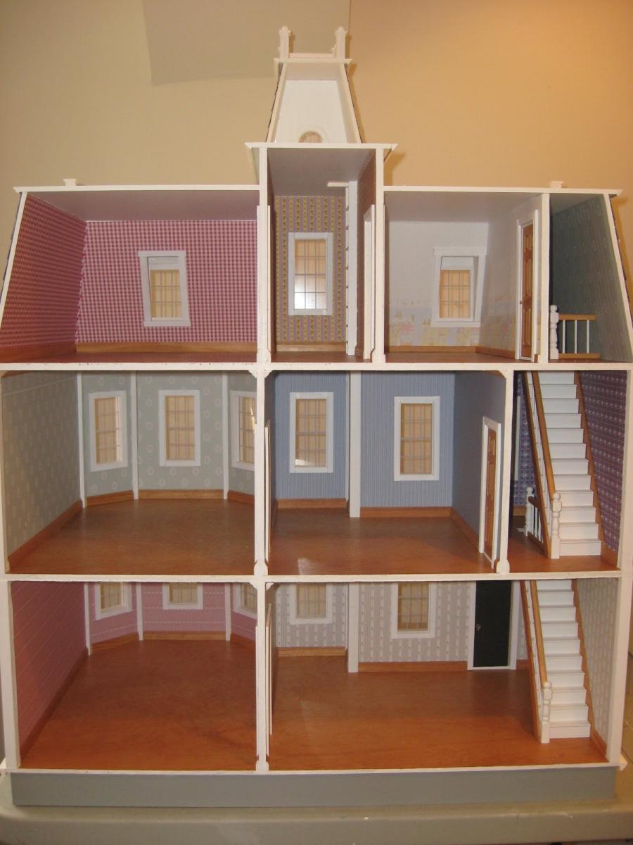 Photos of interior dollhouse stairs