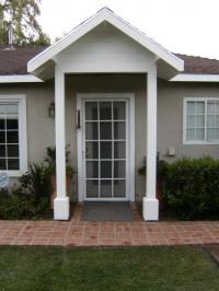 Photos front door overhangs