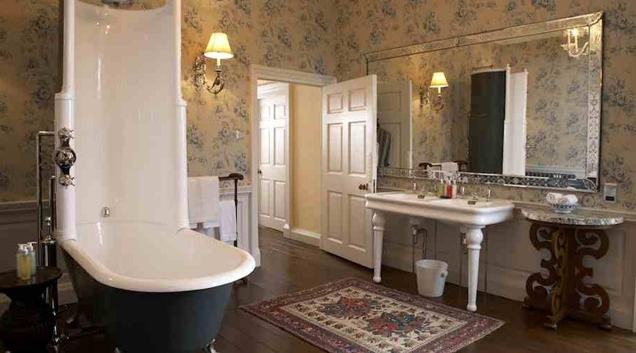 Victorian bathroom photos