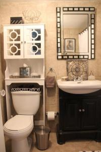 Beige and white bathrooms photos