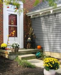 Small front porch decorating photos