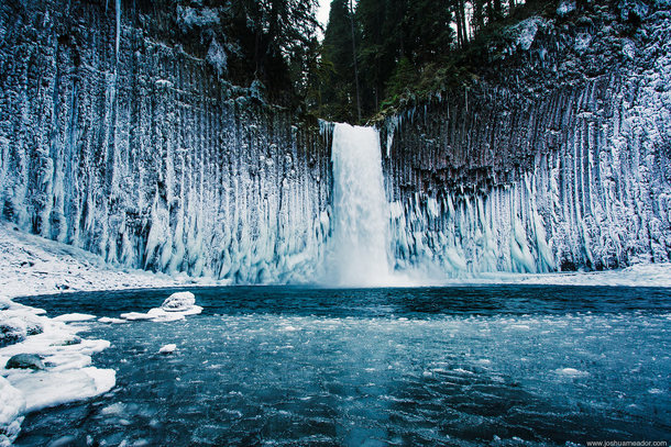 Multnomah Falls Oregon Winter Wallpaper Unique Ice Formations At Abiqua Falls Oregon Photorator