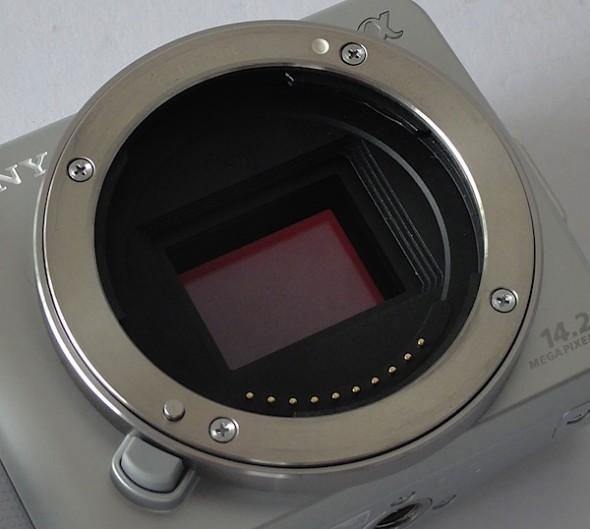 Sony NX 3 7 590x529 Here is the new Sony EVIL NEX 3 (freshly  leaked)