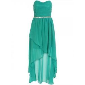 فساتين قصيرة من قدام وطويلة من الخلف موديلات فستان كيوت