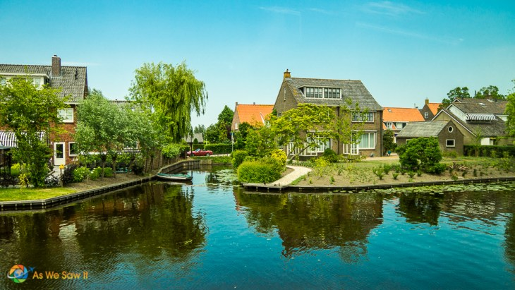 The fronts of the houses all face the water in Giessenburg, Netherlands