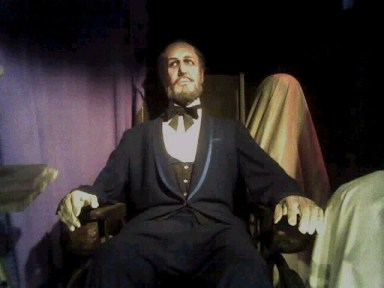 Wax figure of Vincent Price as Henry Jarrod in the Hollywood Wax Museums Chamber of Horrors. Copyright 2005 Lisa Twombly