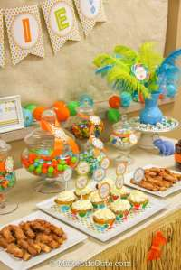 Dinosaurs Baby Shower Party Ideas | Photo 3 of 59 | Catch ...