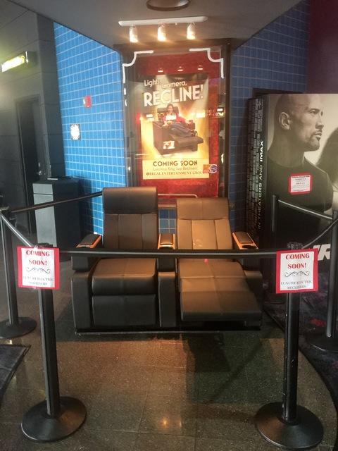 UA Galaxy Theatre Stadium 10 in Dallas TX  Cinema Treasures