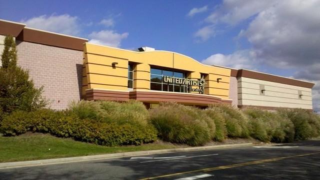 UA Farmingdale Stadium 10 in Farmingdale NY  Cinema