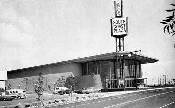 South Coast Plaza II Theatre in Costa Mesa CA  Cinema