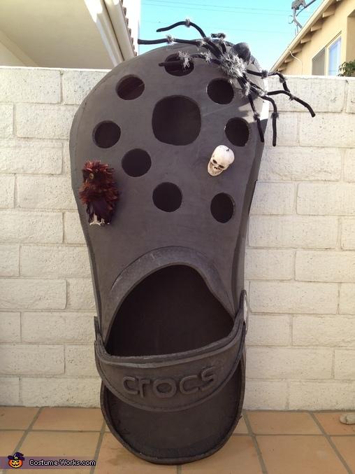 Croc Shoe Creative Halloween Costume  Photo 35