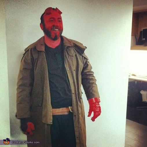 Hellboy Costume for Men  Photo 22