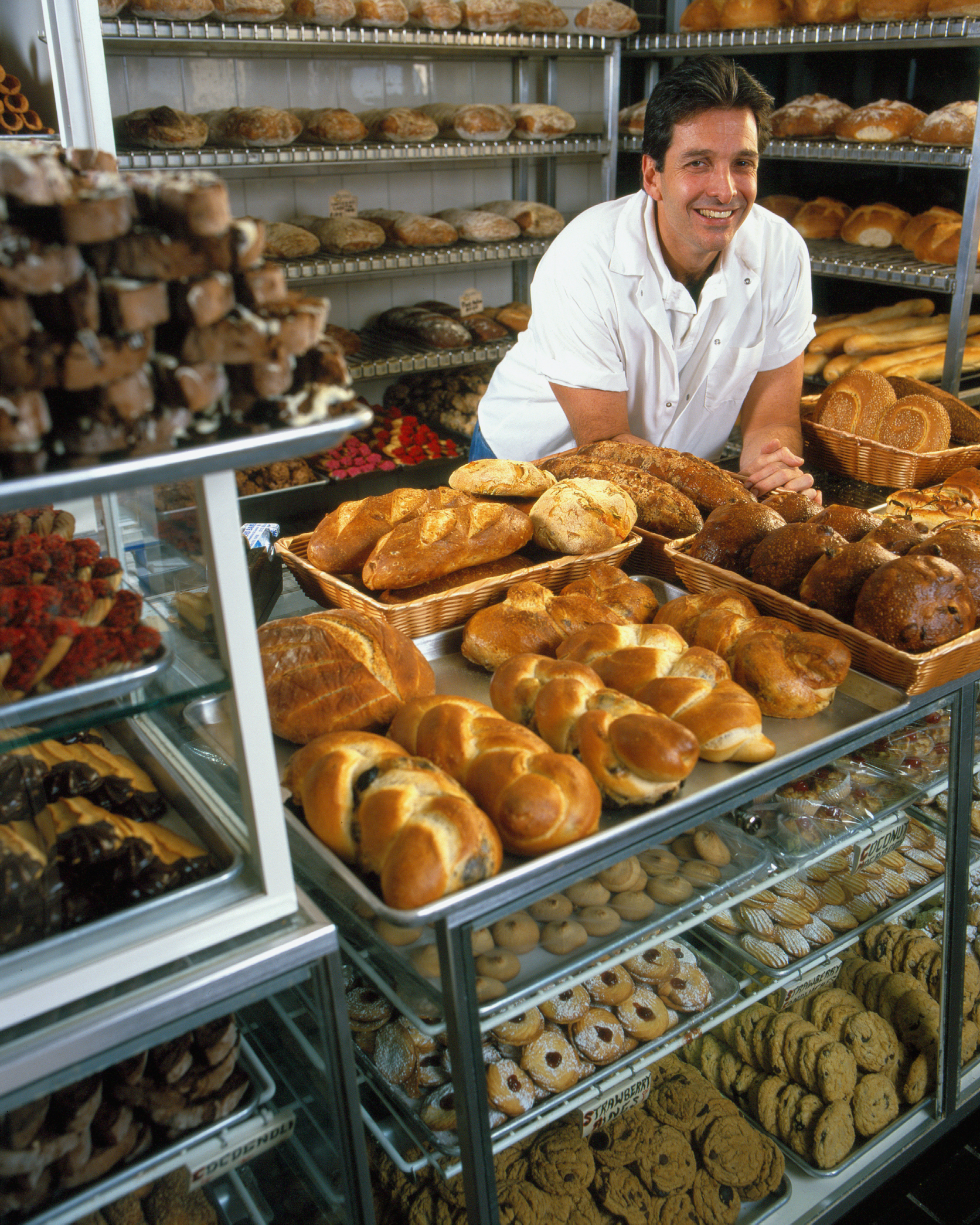 Pros  Cons of a Pastry Chef  Career Trend