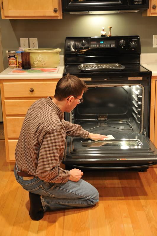Why Will the Bottom Element in the Oven Not Work on a
