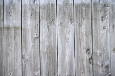 Cmo envejecer las tablas de madera nuevas de una cerca