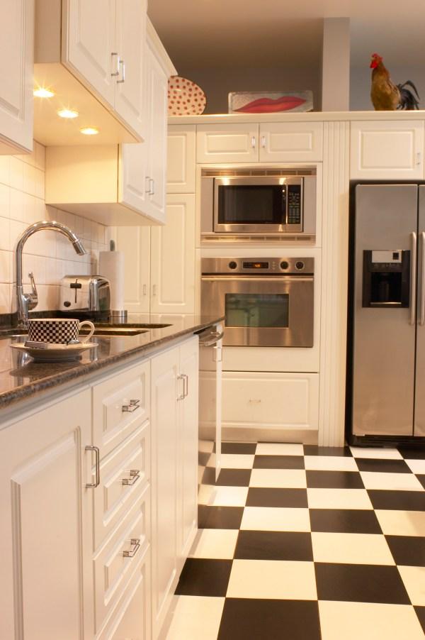 Coordinate Floor Tile Color & Countertops Home