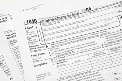 How to Deduct Workers' Compensation From Federal Tax Form