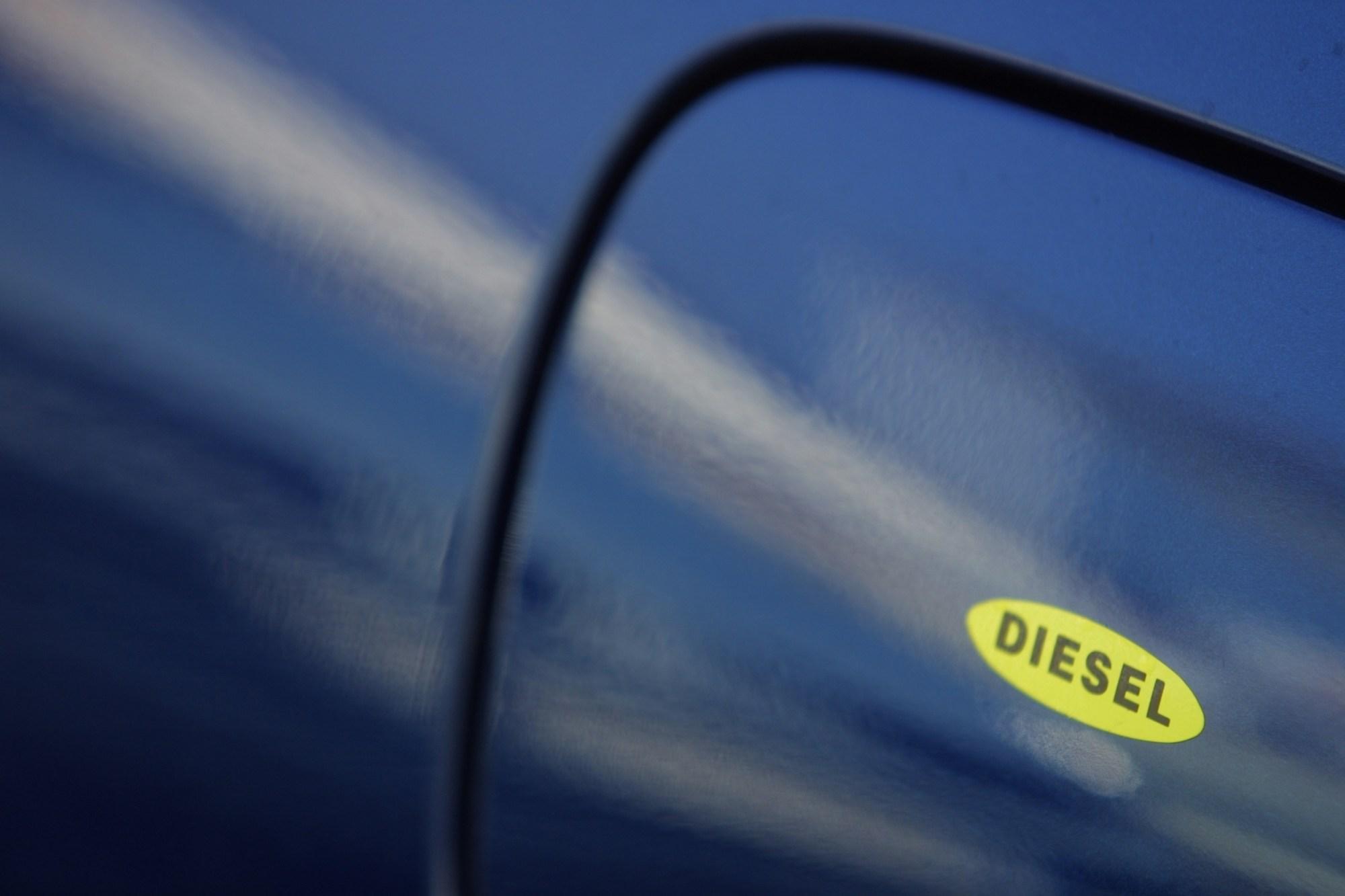 hight resolution of duramax fuel filter prime