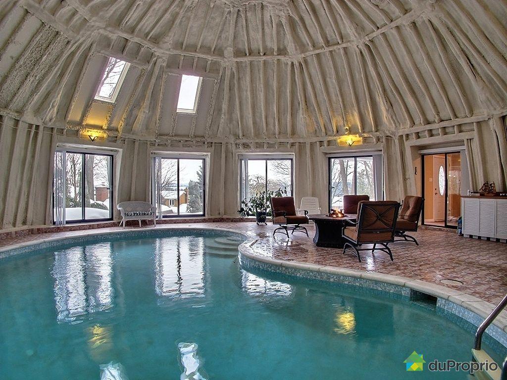Maison avec piscine interieure a vendre quebec for Piscine gatineau