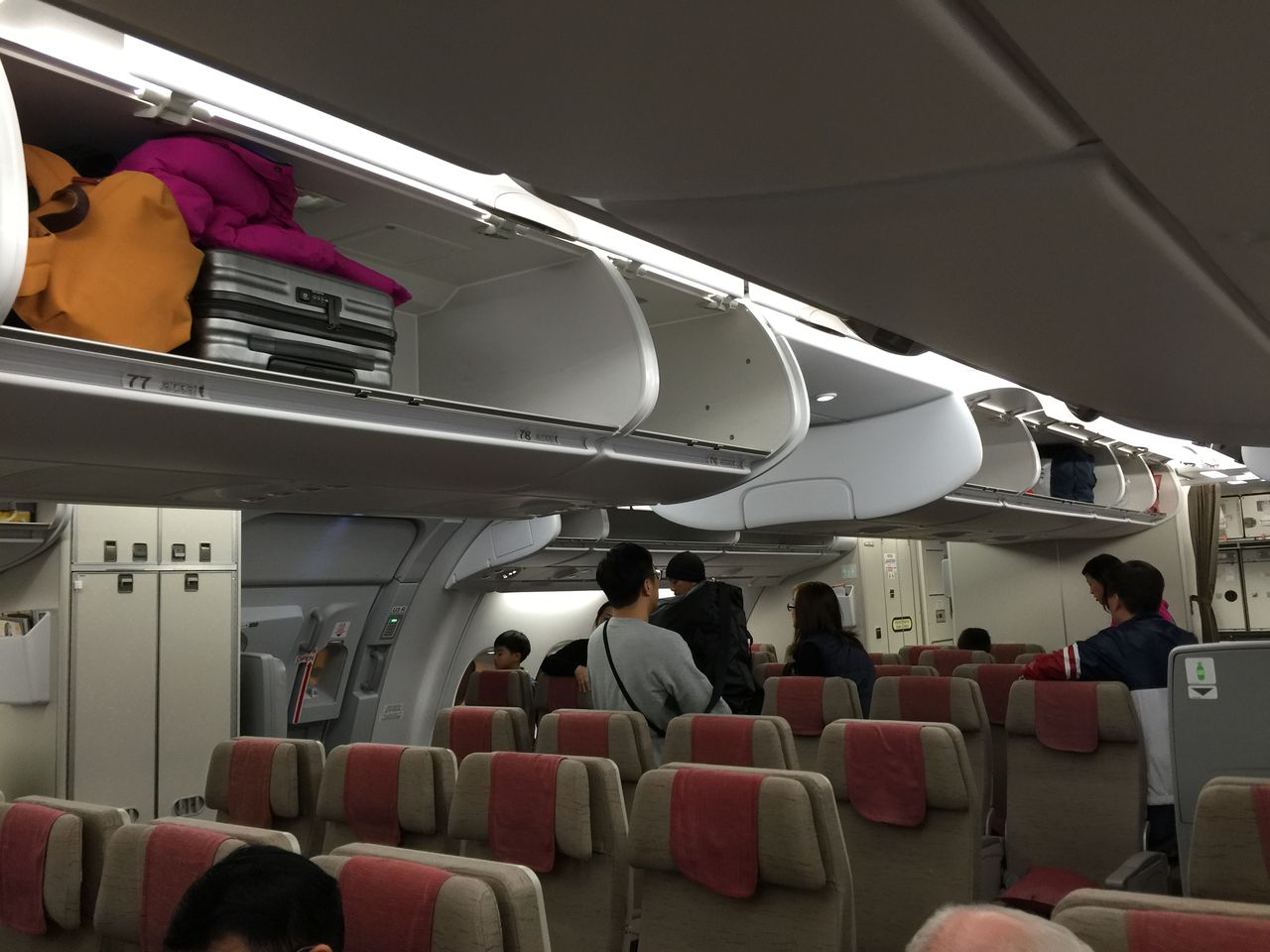 Review of Asiana Airlines flight from Seoul to Hong Kong in Economy