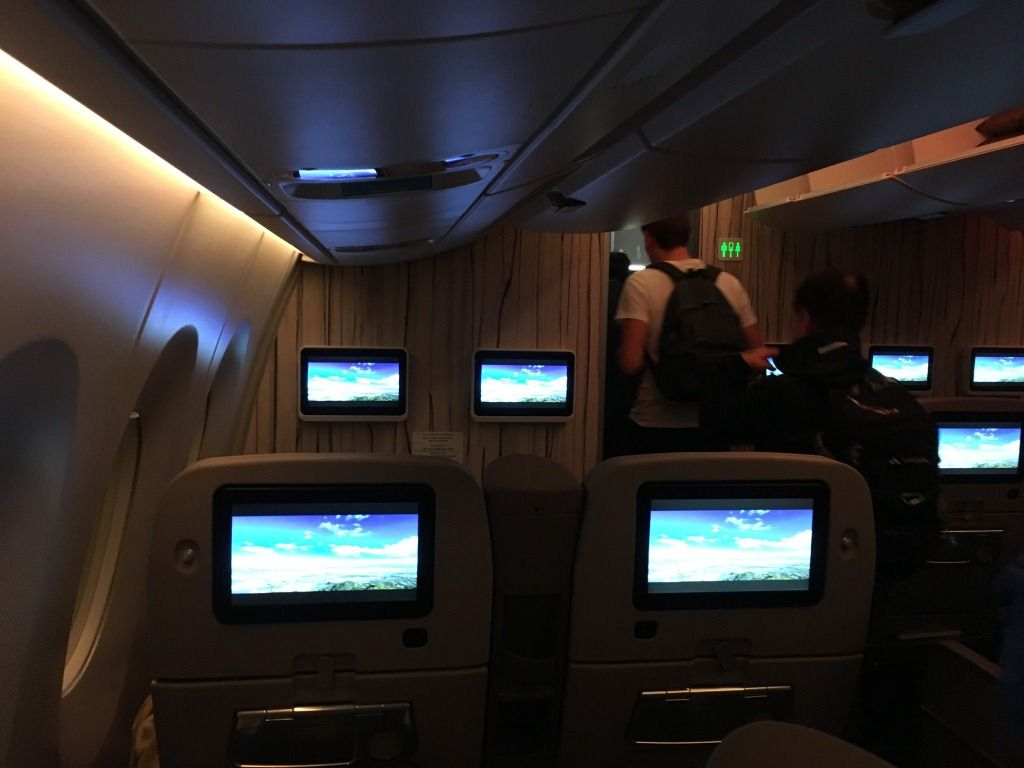 Review of China Airlines flight from Taipei to Hong Kong in Premium Eco