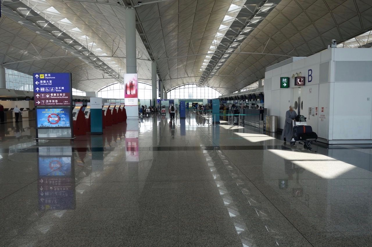 Review of Cathay Pacific flight from Hong Kong to Bangkok in Business