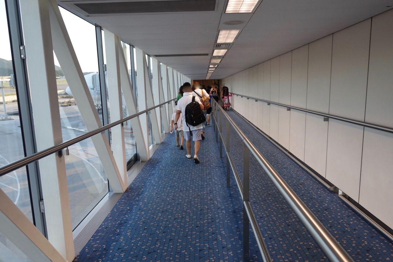 Review of Cathay Pacific flight from Hong Kong to New York in Business