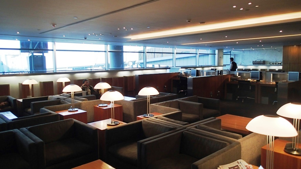 Review of Cathay Pacific flight from Hong Kong to Toronto in Business