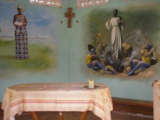 Intérieur de la chapelle du prieuré des Frères de Sokounon