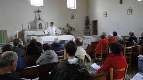 Célébration en fin de journée à la Chapelle Iger