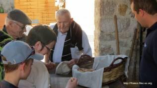 Dégustation du pain cuit au four